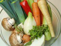 Reteta stoc de legume, supa concentrata de legume, supa baza de legume, cum se face supa concentrata de legume, stock de legume, supa baza de legume (stoc), cu sa faci supa concentrata de legume, cum sa faci stock, reteta stock de legume, reteta stoc de legume, supa baza pentru mancare, stoc resturi legume, supa de legume pentru mancare,